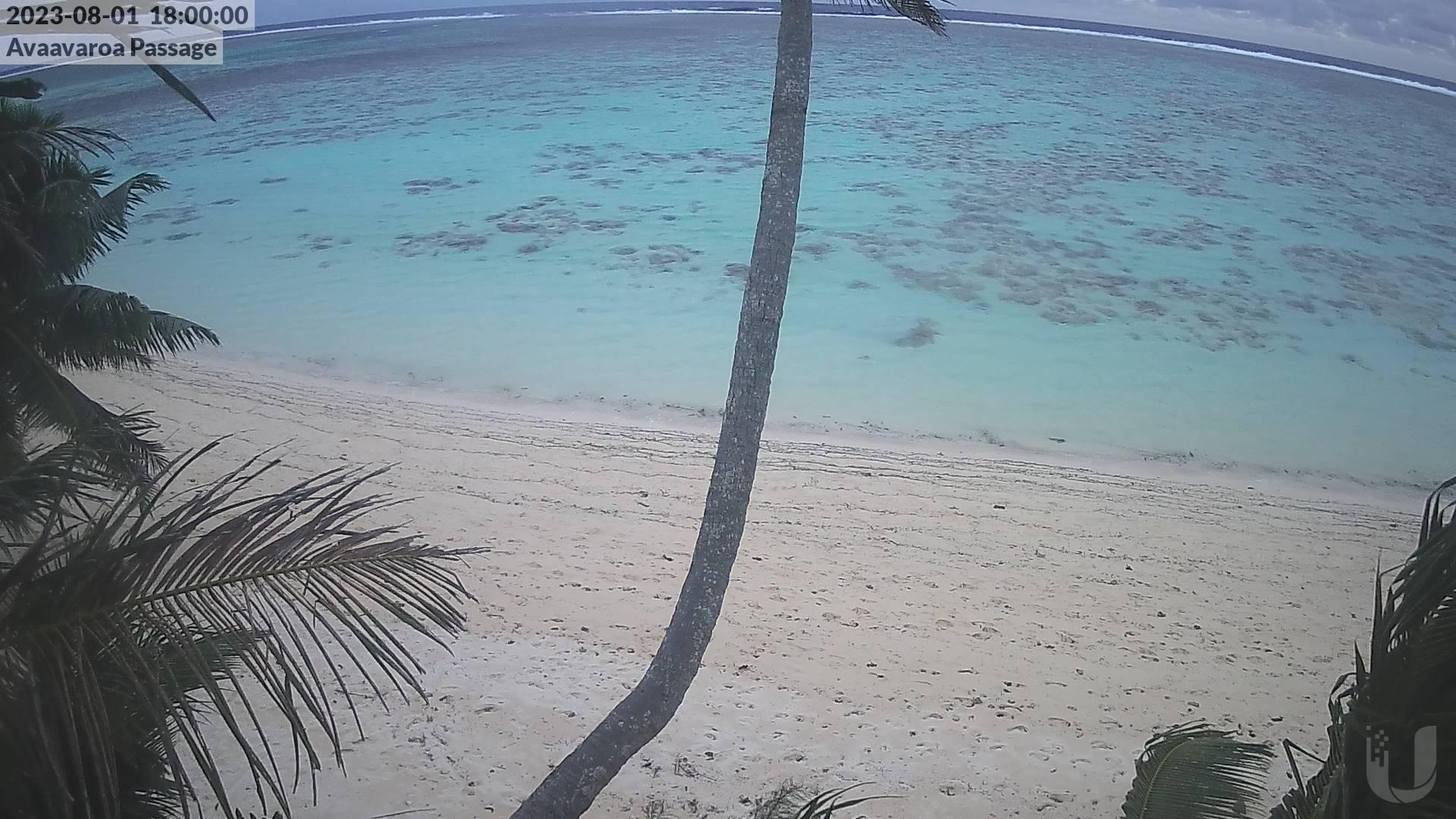 6:00 PM @ Avaavaroa Beach